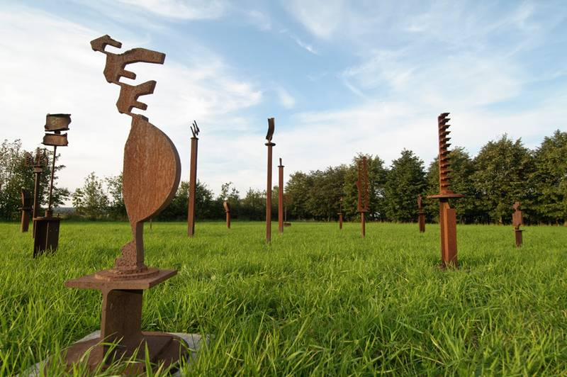 »Indianerfriedhof«, Installation
